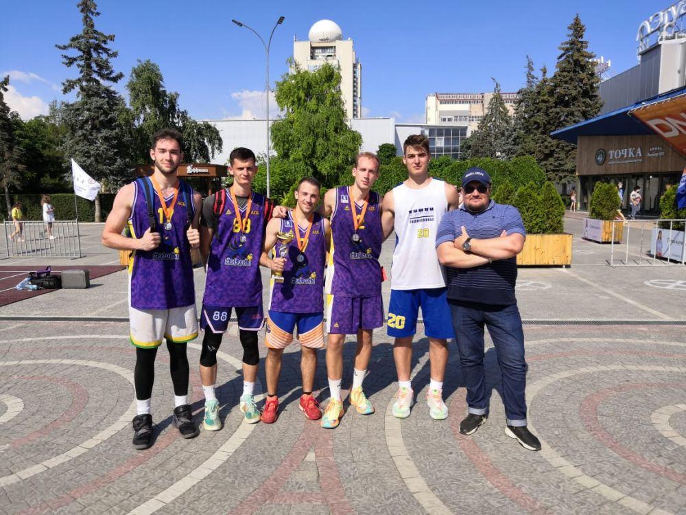 Крымчане завоевали медали на баскетбольном турнире в Севастополе