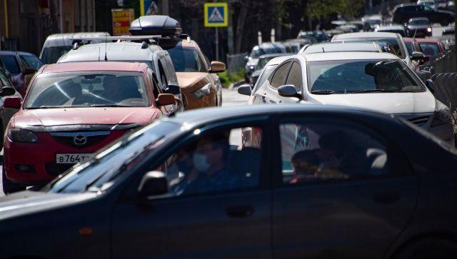 Туристы ищут море: дорожная ситуация в Ялте и не только - видео