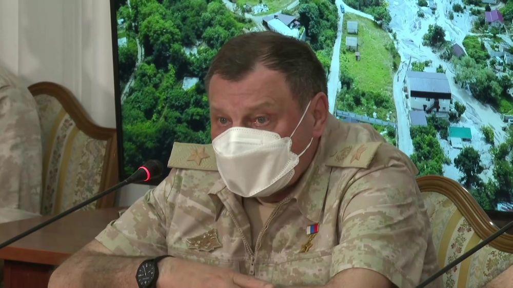 Дмитрий Булгаков отметил, что задача по ликвидации последствий стихии в Крыму будут выполнены в ближайшие дни