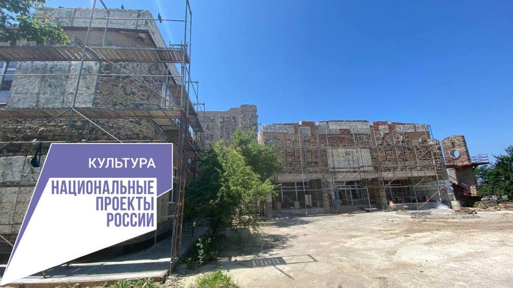В Сакской музыкальной школе им. Ю. Богатикова продолжается капитальный ремонт
