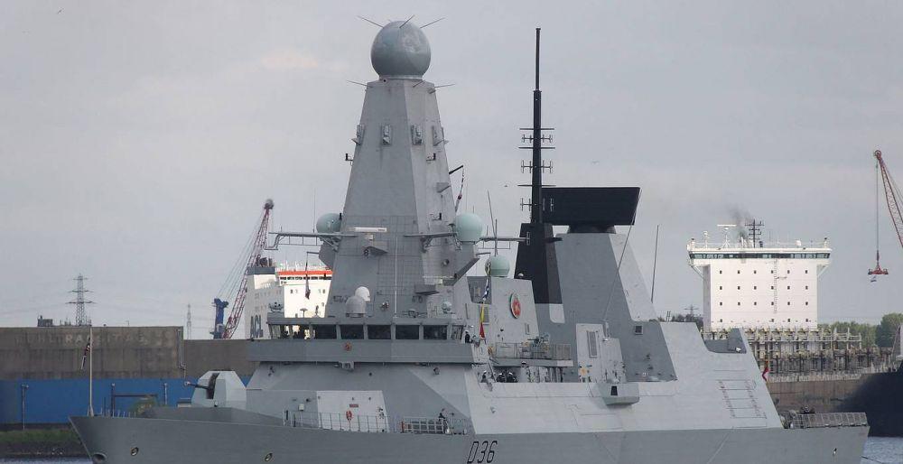 Минобороны показало видео слежения за британским эсминцем, нарушившим госграницу России
