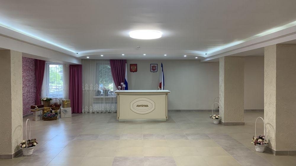 В Департаменте ЗАГС Минюста Крыма отметили востребованность Симферопольского районного отдела ЗАГС среди населения