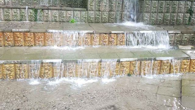 Потоки воды снова затапливают Ялту: на Ай-Петри прошел ливень
