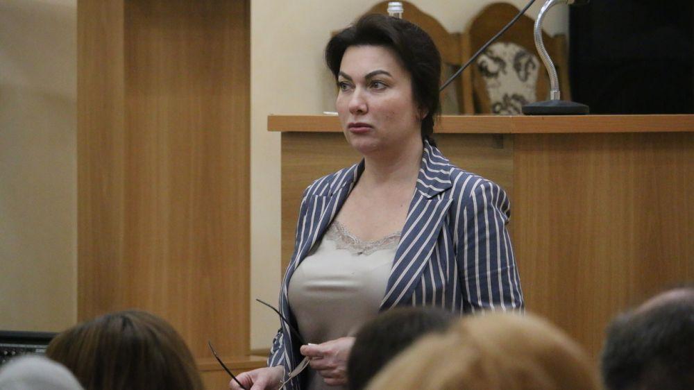 Арина Новосельская продолжает рабочие встречи с трудовыми коллективами отрасли культуры и искусств