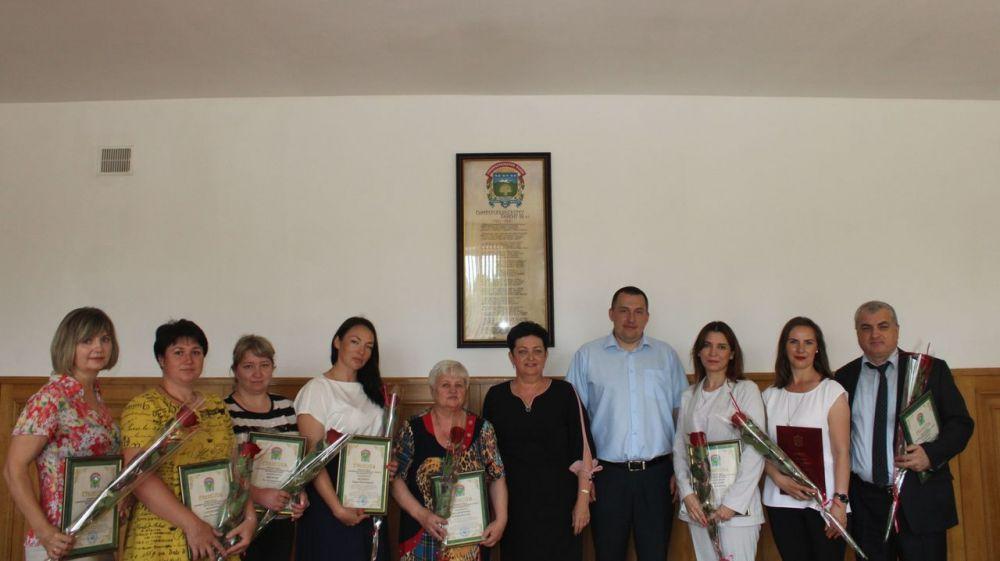 Галина Шабанова вручила награды ко Дню медицинского работника