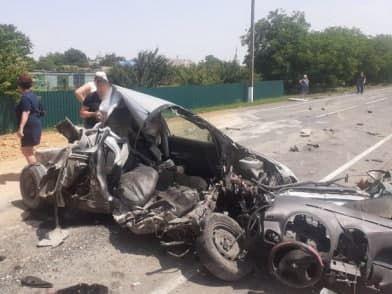 В Черноморском районе грузовик столкнулся с легковушкой