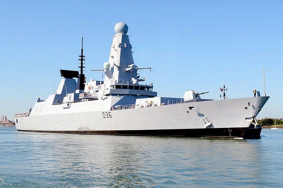 Опубликовано видео с борта эсминца «Дефендер», который приблизился к Крыму