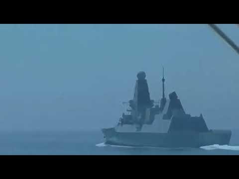 «Если не смените курс, откроем огонь»: ФСБ обнародовала видео инцидента с британским эсминцем у берегов Крыма