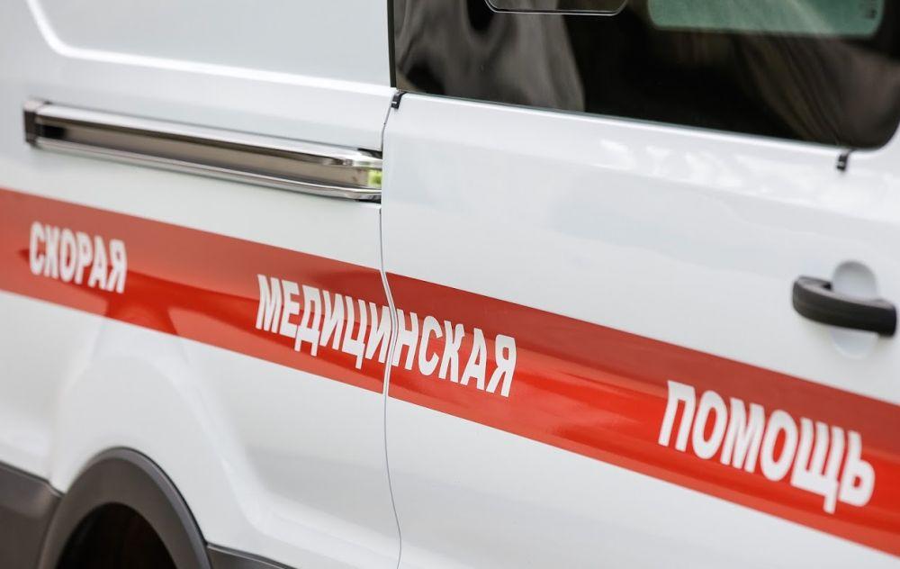 Четверо пострадавших: в Симферополе машина скорой помощи столкнулась с легковушкой