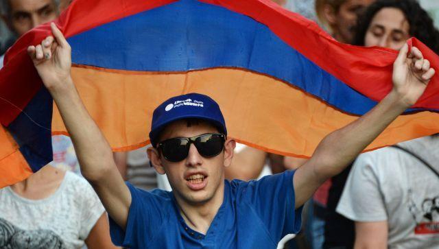"""Америка будет и дальше """"укреплять демократию"""" в Армении"""