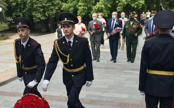 В Симферополе почтили память партизан и подпольщиков Великой Отечественной войны