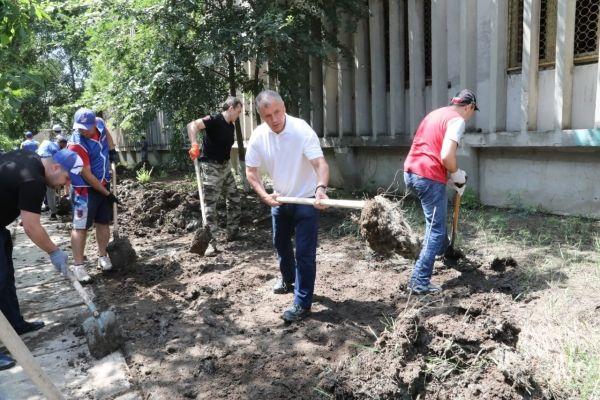 Владимир Константинов: Выплата компенсаций людям, чье имущество пострадало в результате наводнения, — приоритетная задача власти