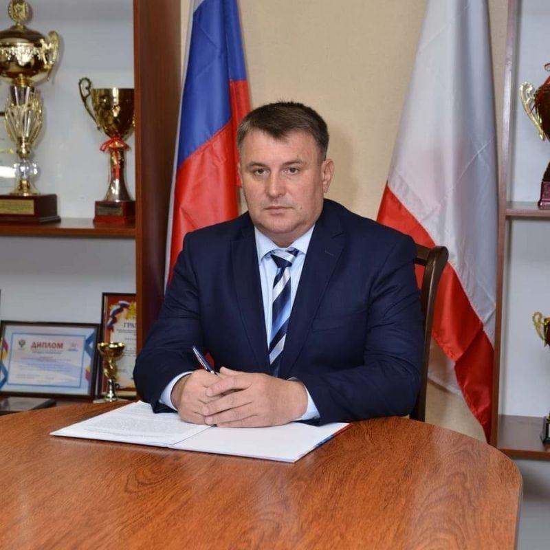Глава администрации Сакского района Михаил Слободяник написал заявление об увольнении по собственному желанию