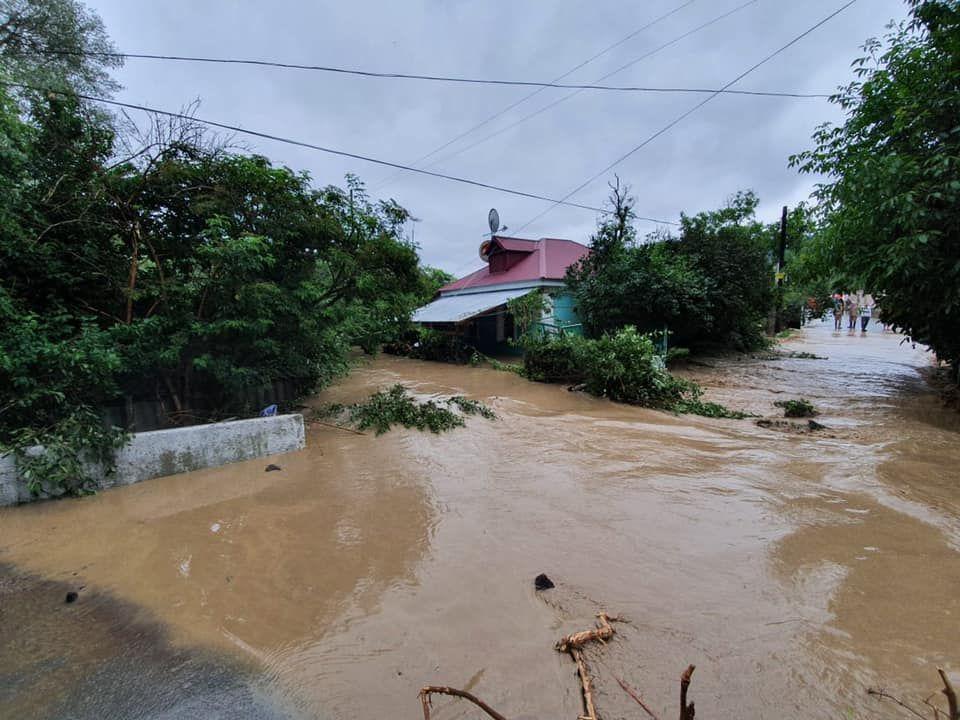 Пять жилых домов не подлежат восстановлению после потопа в Крыму 4 июля