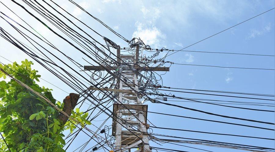 Около 400 абонентов остаются без электричества в Бахчисарайском районе