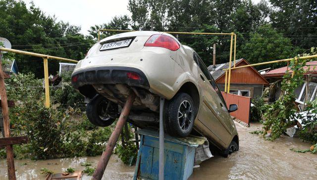 В Крыму от потопа пострадали более 900 автомобилей - кому компенсируют