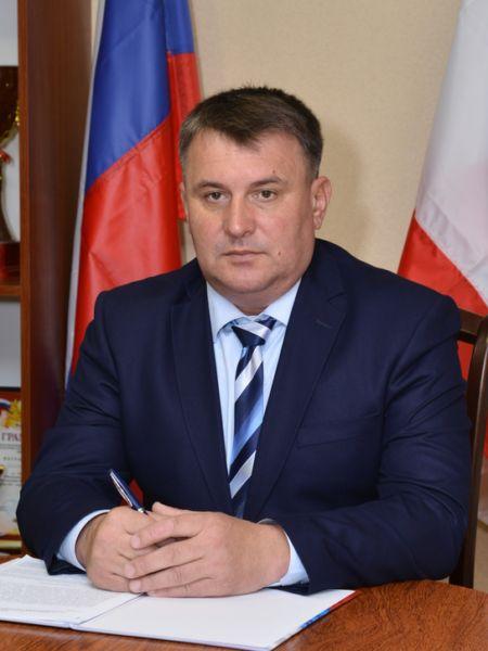 Депутаты Сакского райсовета досрочно отправили в отставку главу администрации