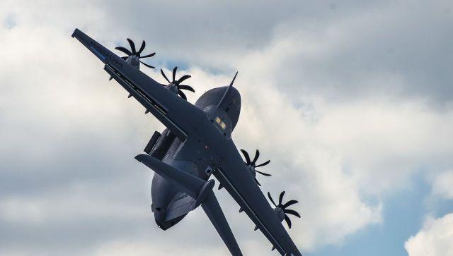 Два Су-30 перехватили самолет-разведчик над Черным морем - видео