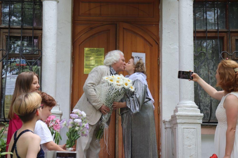 Юрий Куклачёв с женой отметили годовщину свадьбы в Ялте