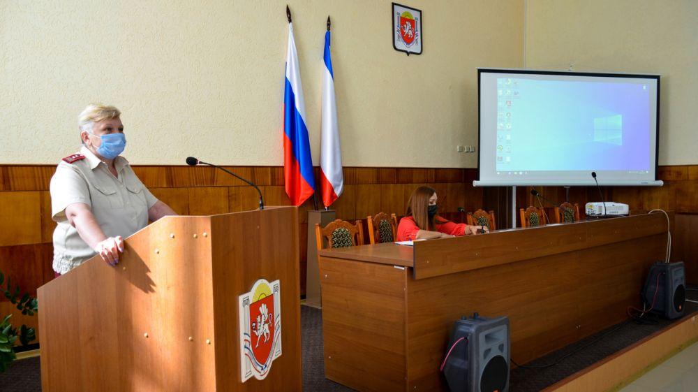 В администрации Черноморского района прошло совещание с руководителями образовательных организаций