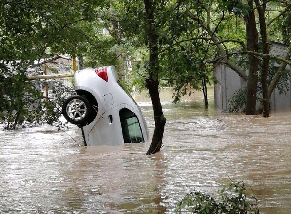 Собственникам дорогих авто после потопа компенсируют 40% стоимости машины