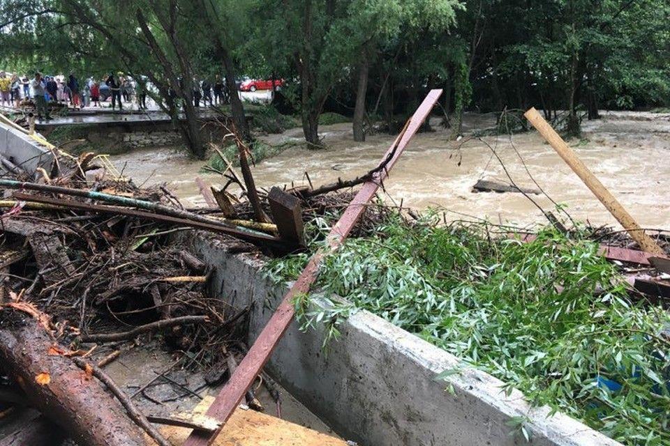 В селах Бельбекской долины потоп разрушил мосты и дороги