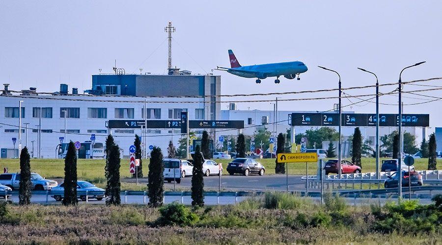 Поврежденную градом крышу аэропорта Симферополя ремонтируют по гарантии