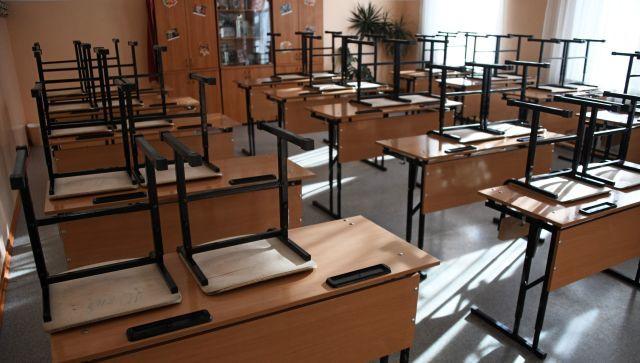 Учителей одной из школ в Крыму уволили из-за подпольного выпускного