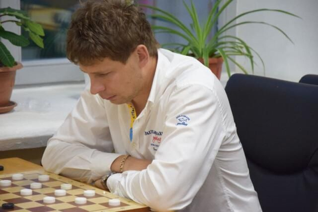 Крымчанин выиграл соревнования по шашкам в Ярославле