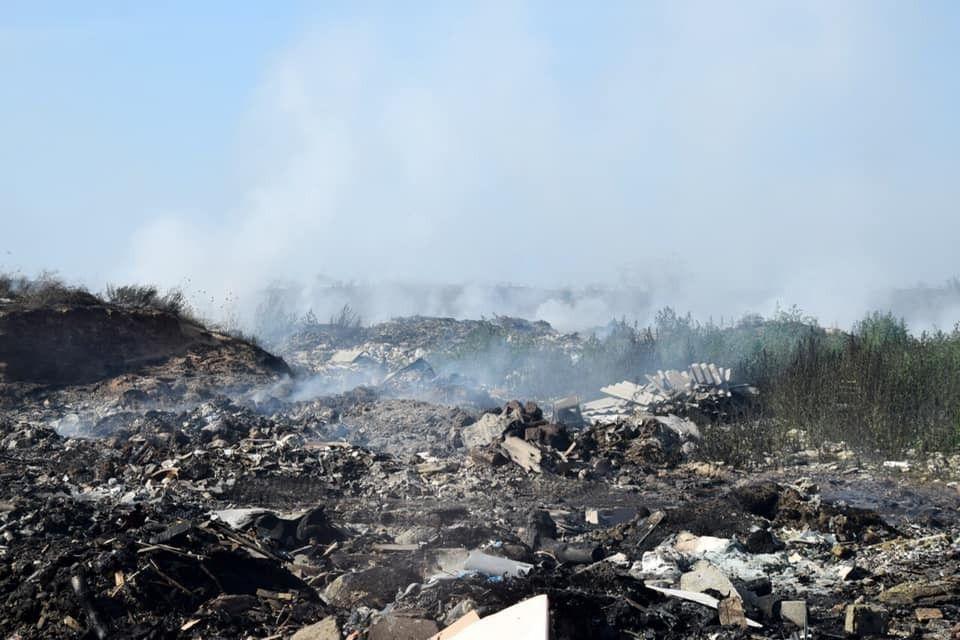 Пожар на мусорном полигоне Евпатории: Что известно к этому часу