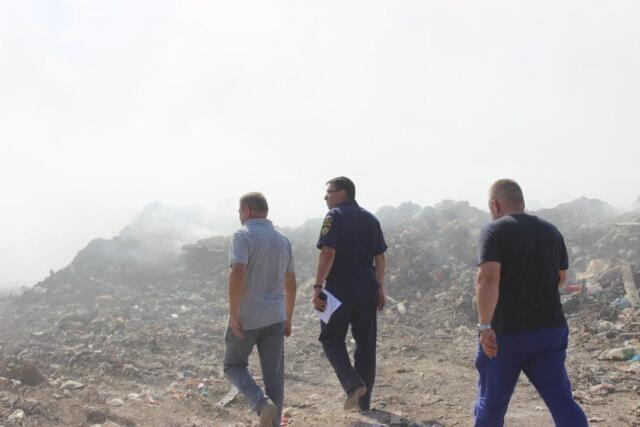 Воздух над тлеющей свалкой под Евпаторией проверили на загрязнение