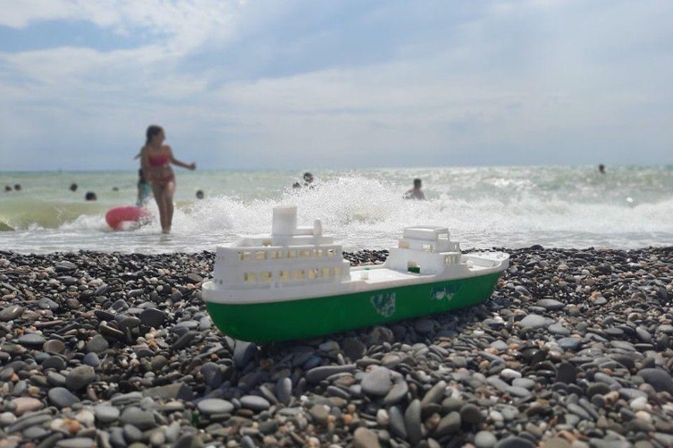 Полуостров свободы: Крым собирает антипрививочников и сливки курортного сезона