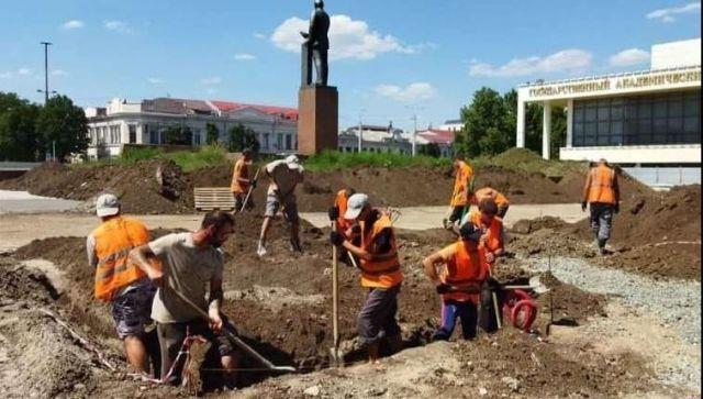 Как благоустраивают главную площадь крымской столицы