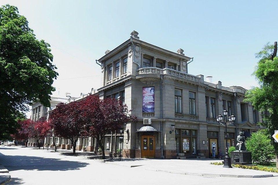 Драмтеатр имени Горького в Симферополе закрывают на капремонт