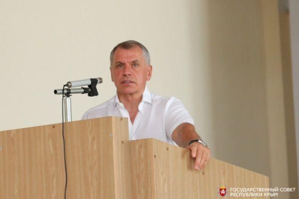 Владимир Константинов встретился с трудовым коллективом завода «Фиолент»