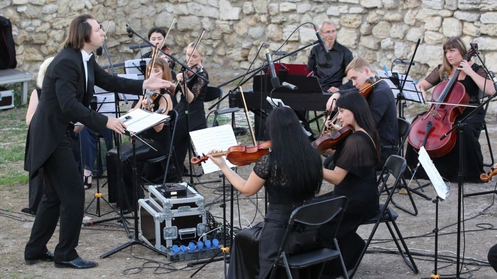 В рамках проекта «Летний вечер в Херсонесе» состоялся концерт Камерного оркестра Крымской государственной филармонии