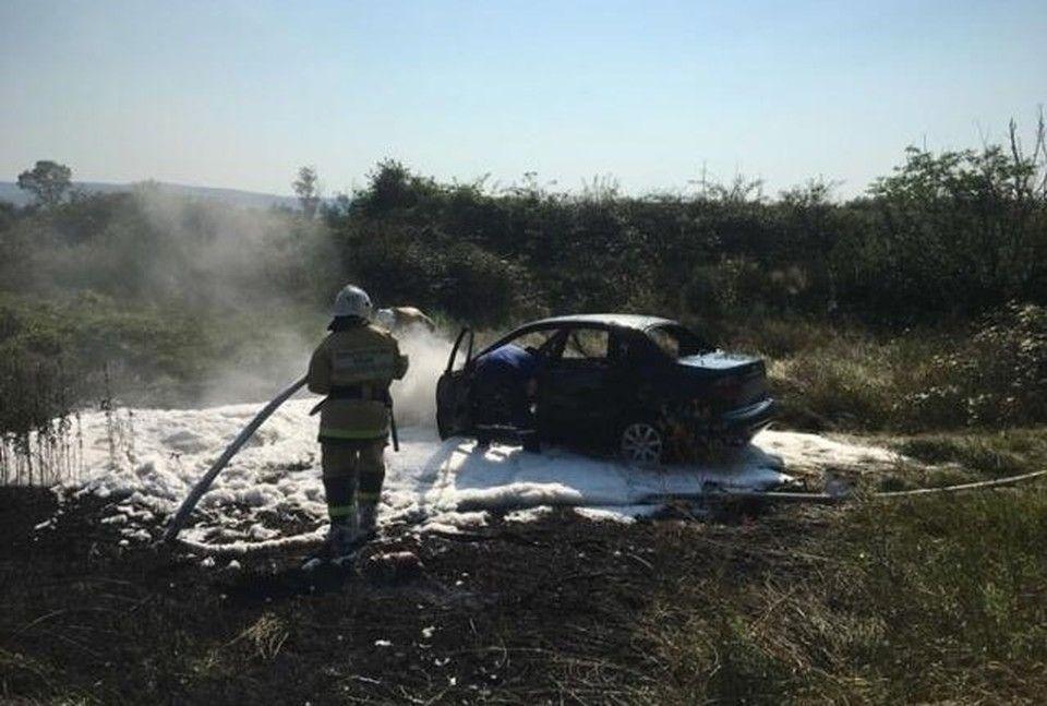 В Бахчисарайском районе машина загорелась на ходу