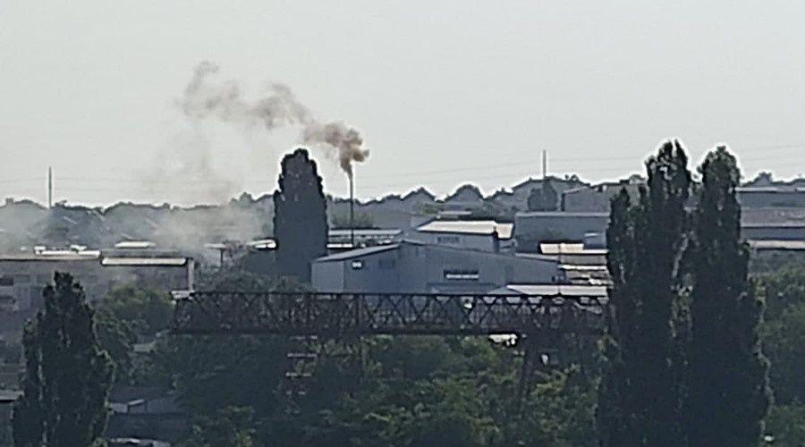 Жители микрорайона в Симферополе массово жалуются на токсичные выбросы в промзоне