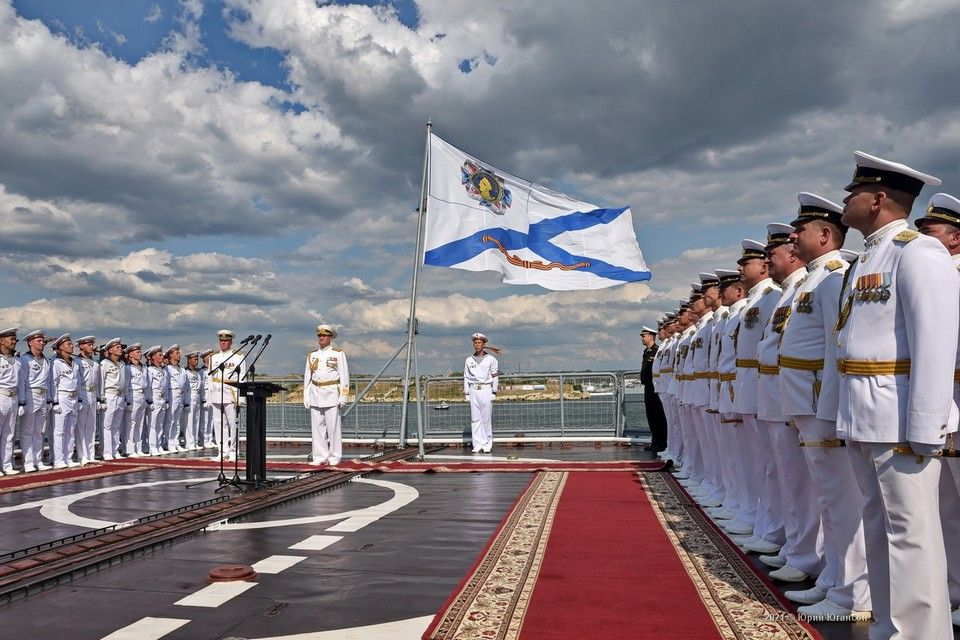 Парад на День ВМФ 2021 в Севастополе: прямая онлайн-трансляция праздника