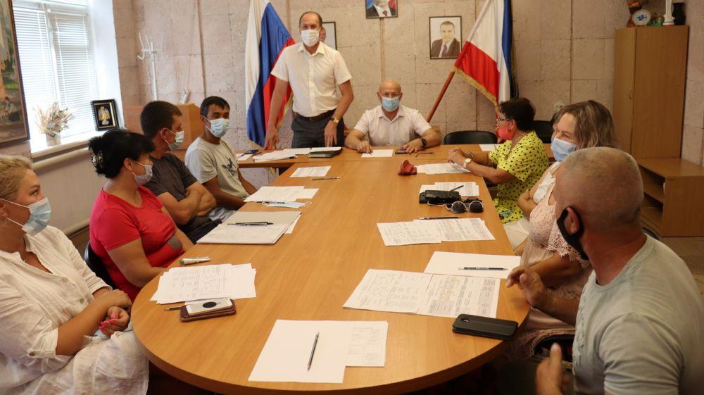 Владимир Сабивчак и председатель Сакского районного совета Владислав Хаджиев встретились с жителями Столбовского сельского поселения