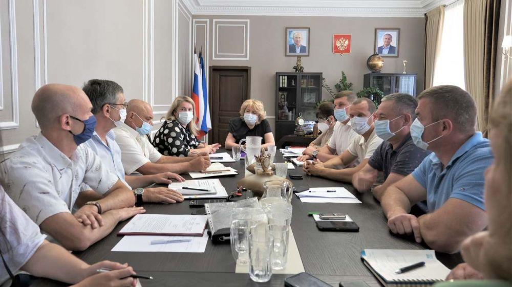 Глава администрации Ялты Янина Павленко провела рабочее совещание с руководителями территориальных органов