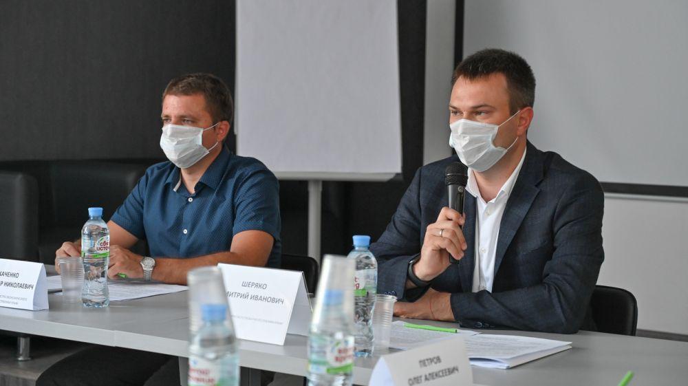 К следующему сезону в Крыму должны появиться развитая сеть электрозаправок во всех приморских и курортных городах – Дмитрий Шеряко