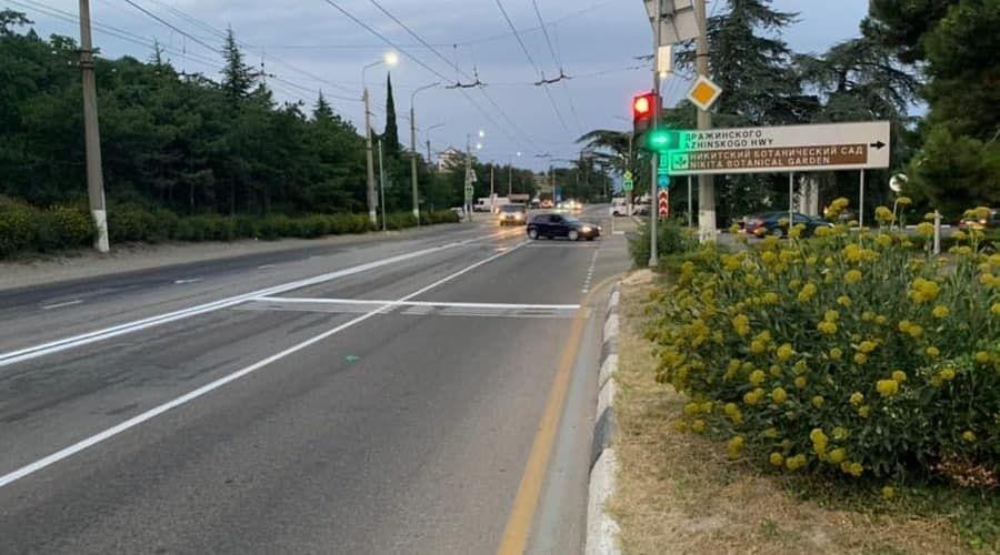 Светофор появился возле съезда с трассы Ялта – Симферополь к Никитскому ботаническому саду