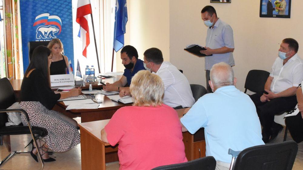 Документы, подтверждающие право пользования земельными участками, выданные крымчанам до марта 2014 года являются действительными без ограничения срока – Рефат Вахитов