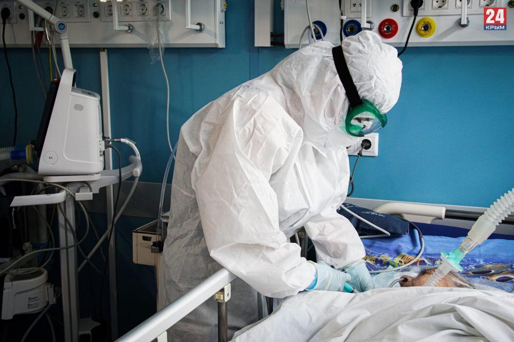 В Крыму за сутки 371 человек заболел коронавирусом