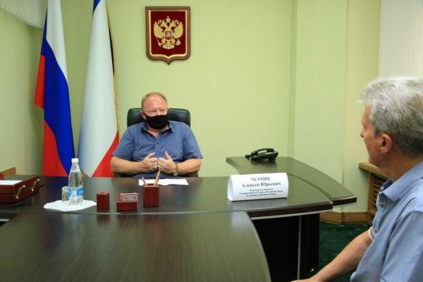 Алексей Черняк выслушал проблемы крымчан