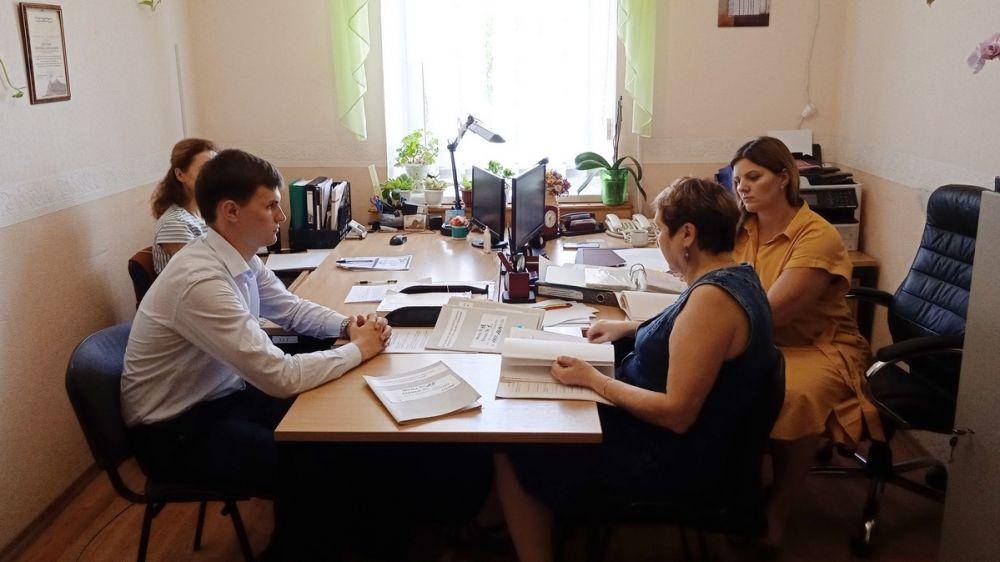 Татьяна Шарова приняла участие в заседании ЭК муниципального архива города Судак