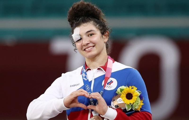 Россия выходит на третье место по общему количеству завоеванных медалей