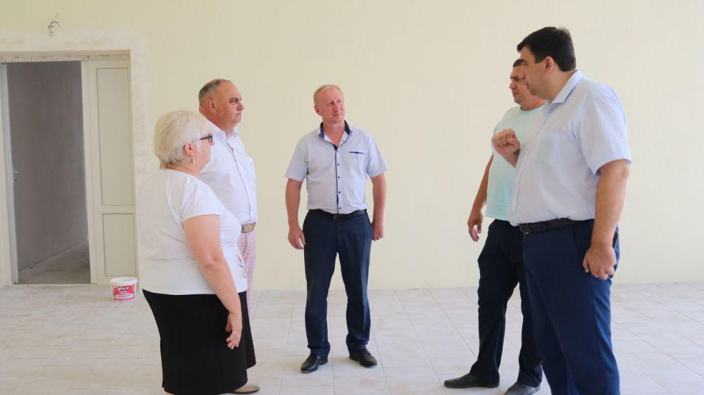 Василий Грабован посетил ремонтируемые объекты