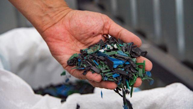 Приятного аппетита: ученые научились делать еду из пластиковых отходов